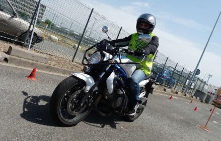 Formation de moto sur mesure à Neuchâtel