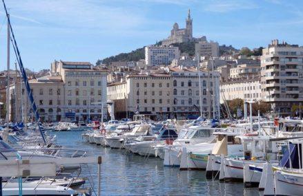 Découvrir les rues de Marseille avec un transport de luxe